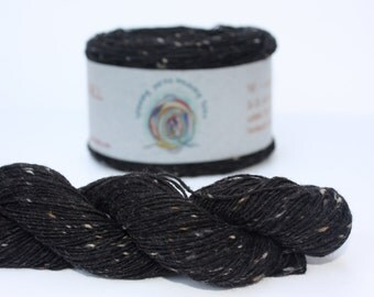 Spinning Yarns Weaving Tales - Tirchonaill 520 Black 100% Merino  Yarn for Knitting, Crochet, Warp & Weft