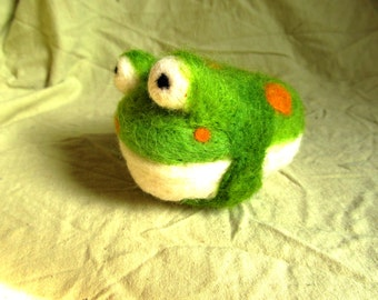 Needle Felted Fat Frog
