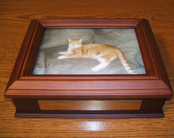 Personalized Pet Urn...Engraved and Customed for you