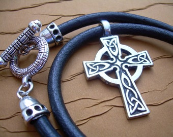 Celtic Cross Necklace, Leather Necklace,Pendant , Mens Necklace, Mens Jewelry, Mens Gift, Celtic Pendant, Mens Leather Necklace