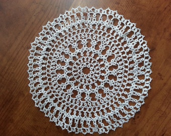 Large Tatted Clover Doily