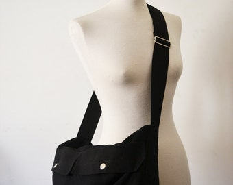 Unisex Messenger Bag in Black and Silver