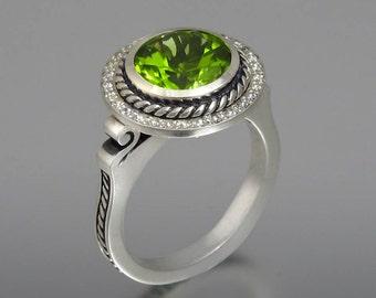 TATIANA 14K gold ring with Peridot and diamond halo
