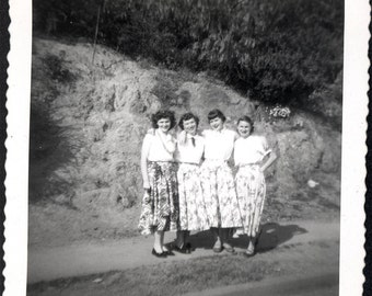 Vintage photo Set of Twins and Friends 50s Skirts