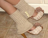 SALE 25.00 FREE SHIPPING Spats Ankle Warmers Boot Covers Cream Off White Tan Beige Knit Alpaca Wool Antique Buttons