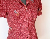 Vintage 1970s Petite Small Womens Top Retro Vintage Fitted Blouse in Wine Red Pattern