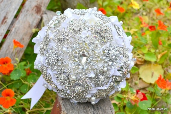 Rhinestone Brooch Bouquet by Noaki Etsy Shop