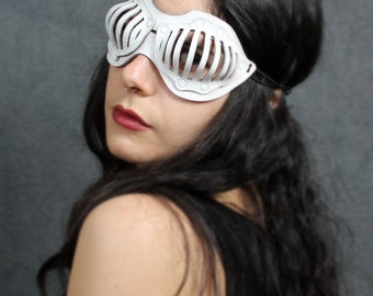 Eyecage Leather Mask in White