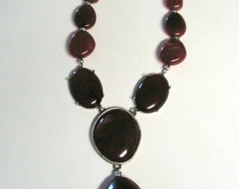 Vintage NRT dark amber lucite pendant necklace