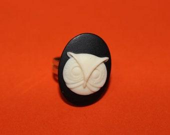 Medium Black Owl Cameo Ring
