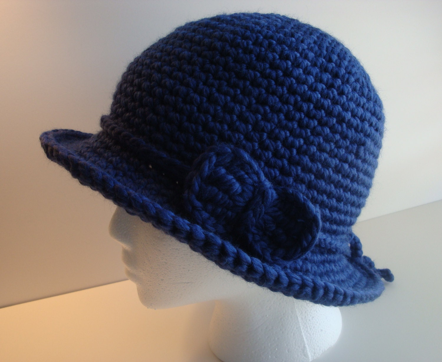 Crochet Cloche Hat Brim Pattern : Crochet Wide Brim Cloche Hat