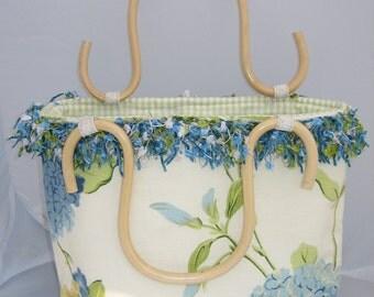 Handbag purse wooden handle hydrangea floral fabric print