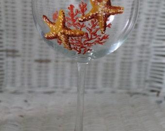 Hand Painted STARFISH Red Wine Glass