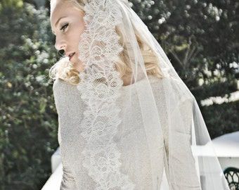 Chantilly Lace Juliet Bridal Cap Wedding Veil, Single Layer Mantilla, Fingertip, Waltz, Chapel, Cathedral, Style: Flora #1211