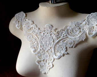 SALE Ivory Lace Applique in Venise Lace for Bridal, Jewelry, Garments, Costume Design IA 50