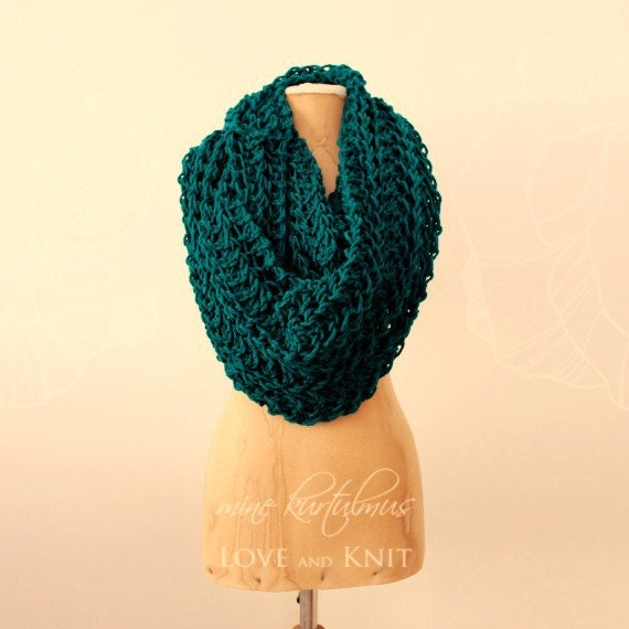 Chunky Infinity Scarf / Oversized Knit Scarf / Bulky Infinity Scarf / Teal / Knit Infinity Scarf / Green Knit Scarf/ Circle Scarf / Infinity