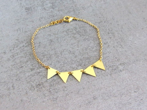 Gold brass garland chain bracelet, geometric jewelry, triangle bracelet.