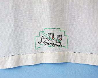 Hand Embroidered Dog Dish Towel Vintage 50s Dog Towel Kitchen Novelty Tea Dish Cloth Decorative Fingertip Finger Black Green Red