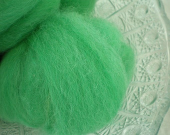 Hand Combed Alpaca Top Green Hand Dyed Roving 2 oz.