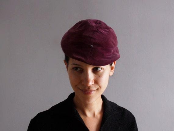 1950's plum velvet hat