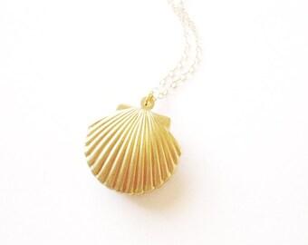 Shell Locket Necklace Seashell Jewelry Gold Mermaid Sea Ocean Nautical Pendant Bridal Bridesmaids Beach Wedding Accessories Wife Gift Summer