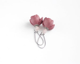 Modern style leather earrings in pink rose