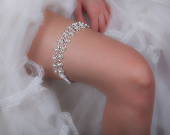 SALE!!! Bridal Garter  - Wedding Garter with Crystals and Pearls