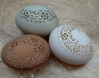 Made To Order: Hand Carved Victorian Lace Chicken Egg -  Wreath Pattern