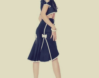 Pin Up // 1950,s style // Navy high waist fishtail skirt with white seamed detail, buttons and bows.