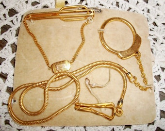 """Vintage Mens SWANK Set  - Father's Day- 1930's Era Men's Accessories, Key Ring & Tie Bar Orig. Card, NOS Gold Tone, Engraved Initials """"E.S."""""""