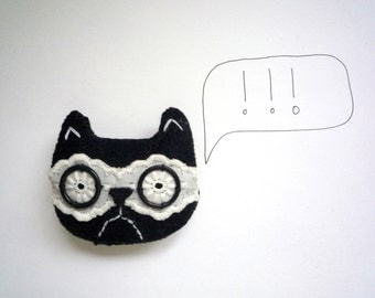 Grumpy cat - wool felt and lacy brooch by Wassupbrothers, black cat, lacy , smart library girl , cat lover , curious  embroidered cat