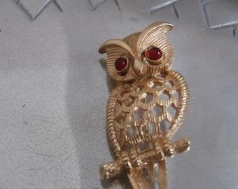 Avon 1970s Owl Pin Brooch