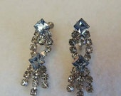 Vintage Screw Back Dangle SPARKLY RHINESTONE EARRINGS Faceted Square Blue Stones