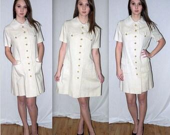 Mod-L behavior ..... vintage 60s day dress mod mini / 1960s peter pan collar / cream beige shirtwaist / minimalist ... S M / bust 38