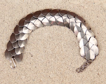 Steel Scale Maille Bracelet (Thick)