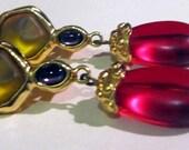 Monet Signed Vintage  - STUNNING long dangling tri colored Clip on Earrings - Monet, Vintage, earrings