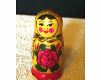 Vintage Petite Russian Nesting Dolls  3 Stackable Original Labeled