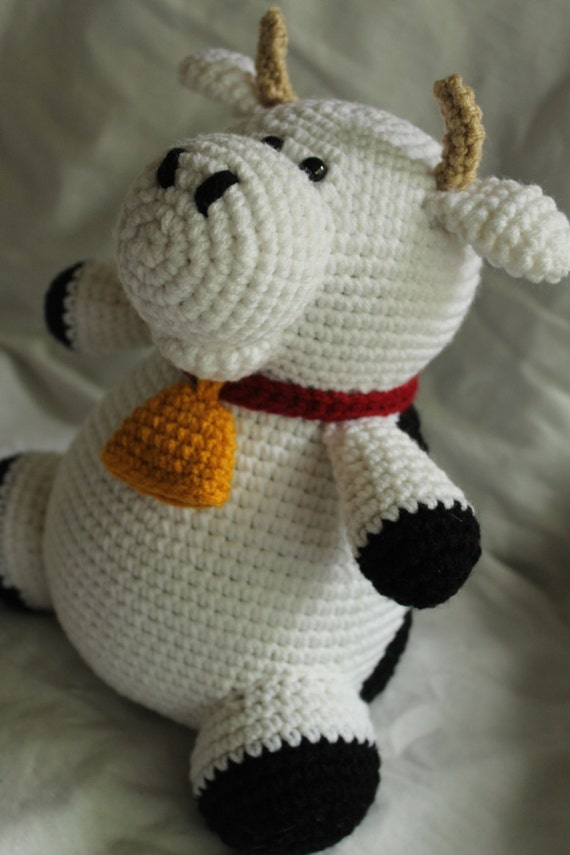 Amigurumi Free Patterns Cow : Charlie the Cow Amigurumi Plush Crochet PATTERN ONLY PDF