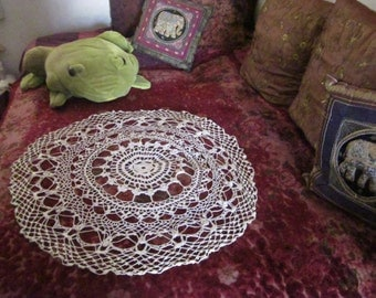 """White Hand-Crocheted Round Cotton Table Cloth, 80's Vintage - 33"""" in diameter"""