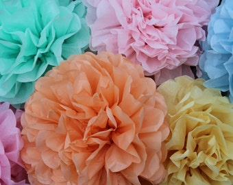 50 Pom Poms- PIck Your Colors - FREE US SHIPPING - photography prop/ holiday party decorations/ Thanksgiving table setting