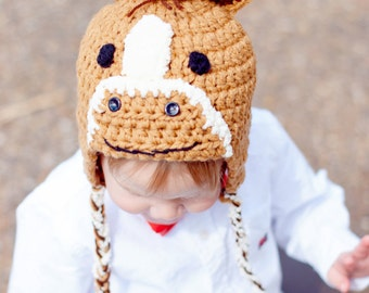 Horse hat, pony hat with mane in tan. Available with with brown or white mane. Newborn through adult sizes available.