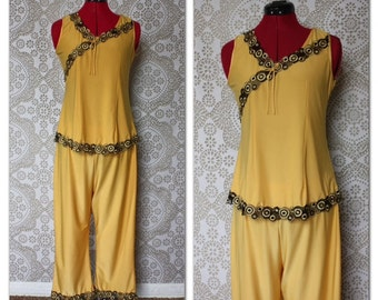 Vintage 1960's 70's Gold and Black Tank Top and Pants Lounging Set Small