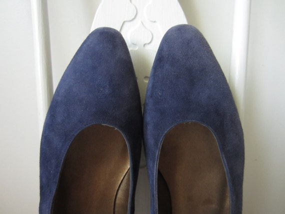 vintage size 8.5 blue suede slip-on low heels