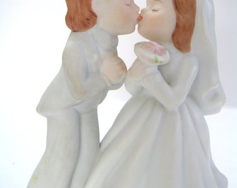 Vintage Wedding Cake Topper by Lefton.  Porcelain, Wedding Day,Romance,Bride,Groom,Wedding Couple,Honeymoon