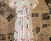Vintage 1980s Day Dress // White Red and Black Fan Print // Bust 42