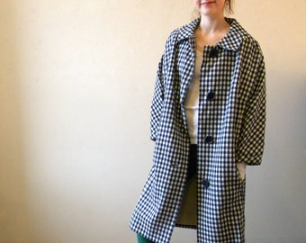 Cutest Vintage Big Coat / 1960s 1950s Blue White Wool Checked / Large