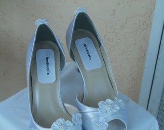 Wedding Shoes Ivory or White embellished with satin flowers, Open Toe, D'Orsay Style Satin Pumps, Rouged Satin, 3 satin flowers,
