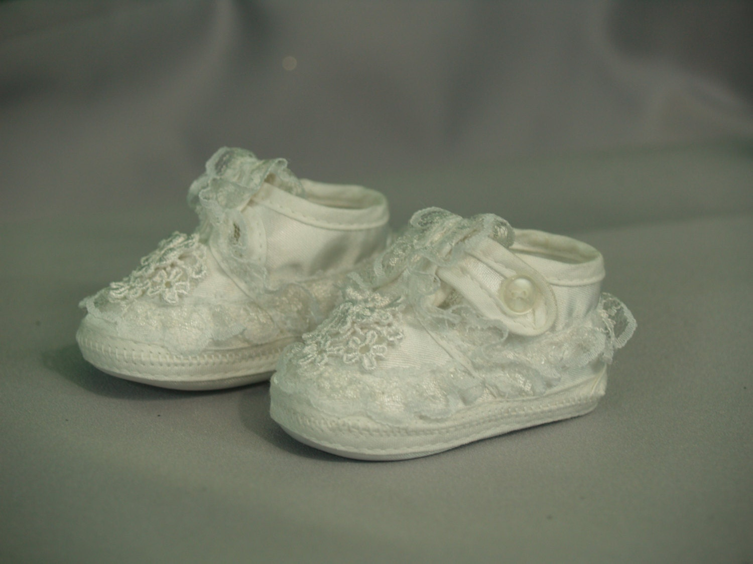 Christening Shoes Baby Girls White Sizes 00 to 3 Booties