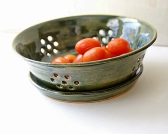 Large Berry Colander, Berry Bowl, Pottery Fruit Bowl, Ceramic Colander, Stoneware Pottery, Hand thrown
