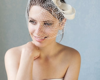 Bridal fascinator with french veil and feathers, wedding birdcage with fascinator, bridal headpiece